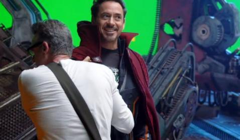 OMG! Di Video Ini Tony Stark Pakai Jubah Doctor Strange