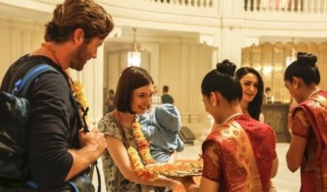 Review Hotel Mumbai: Kisah Nyata Serangan Teroris di Taj Hotel