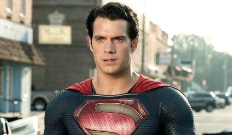 Agen Henry Cavill Tepis Rumor Kliennya Hengkang dari Superman