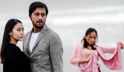 Review Love is a Bird: Ketika Cinta Terjebak Masa Lalu