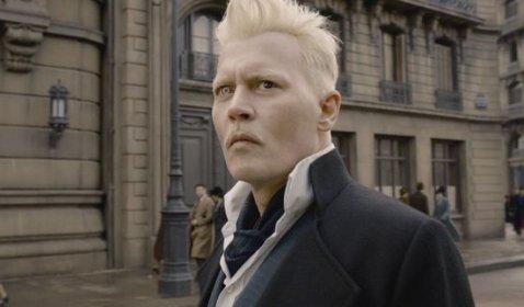 WOW! Johnny Deep Mundur Jadi Grindelwald di Waralaba Fantastic Beasts