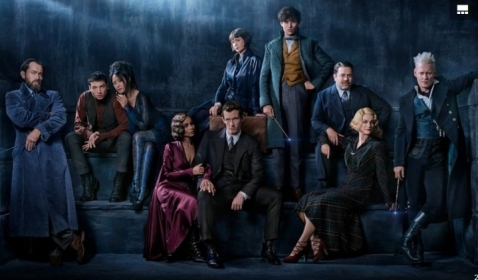 Review Film FANTASTIC BEASTS: THE CRIMES OF GRINDELWALD, Mengupas Sejarah Keluarga Lastrange dan Sisi Lain Dumbledore Muda